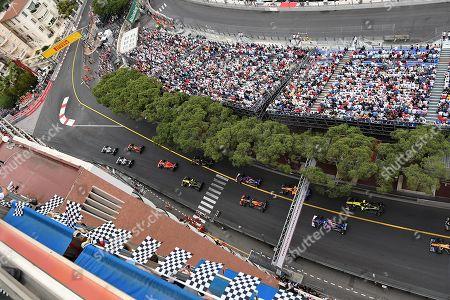 26.05.2019, Monaco Circuit, Monte Carlo, FORMULA 1 GRAND PRIX DE MONACO 2019, 23. - 26.05.2019 ,  Rennstart:  Lewis Hamilton (GB#44), Mercedes-AMG Petronas Mogoalsport, Valtteri Bottas (FIN#77), Mercedes-AMG Petronas Mogoalsport, Max Verstappen (NEL#33), Aston Martin Red Bull Racing, Sebastian Vettel (GER#5), Scuderia Ferrari Mission Winnow, Daniel Ricciardo (AUS#3), Renault F1 Team, Charles Leclerc (MCO#16), Scuderia Ferrari Mission Winnow, Nico Huelkenberg (GER#27), Renault F1 Team, Sergio Perez (MEX#11), Sportpesa Racing Point F1 Team, Nico Huelkenberg (GER#27), Renault F1 Team, start