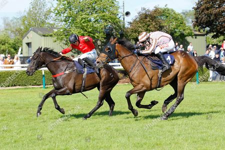 Gardiners Hill and James Bowen [left] beat You Say What at Uttoxeter.