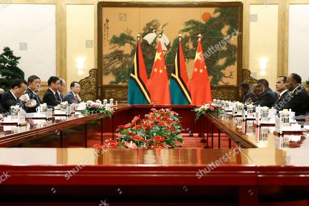 Vanuatu Prime Minister Charlot Salwai (R) and Chinese Premier Li Keqiang (L) attend a meeting at the Great Hall of the People in Beijing, China, 27 May 2019.