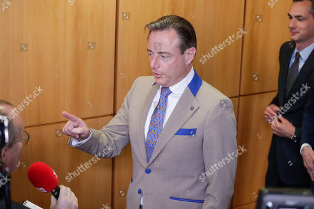 Bart De Wever, leader of the New Flemish Alliance (Nieuw-Vlaamse Alliantie, N-VA) party, holds a press conference following a party bureau of conservative Flemish nationalist N-VA party in Brussels, Belgium, 27 May 2019, a day after the regional, federal and European election in the country.