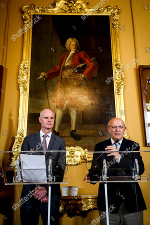 Dutch Foreign Affairs Minister Stef Blok (L), during a joint press conference after a meeting with his Portuguese counterpart Augusto Santos Silva (R) in Lisbon, Portugal, 27 May 2019.