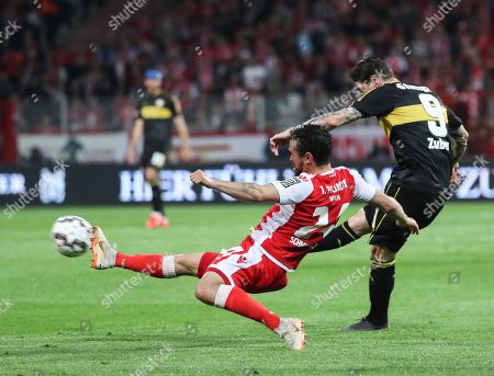 Union's Manuel Schmiedebach (L) in action against Stuttgart's Steven Zuber during the German Bundesliga relegation play-off second leg soccer match between 1. FC Union Berlin and VfB Stuttgart, in Berlin, Germany, 27 May 2019.