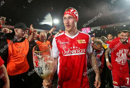 27.05.2019, Football Relegation 2018/2019, 2nd leg, 1. FC Union Berlin - VfB Stuttgart, stadium An Alten Foersterei Berlin. 1. FC Union Berlin celebrates den Aufstieg, Sebastian Polter (Union Berlin)