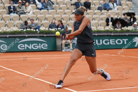 Madison Keys of the U.S. plays a shot against Russia's Evgeniya Rodina during their first round match of the French Open tennis tournament at the Roland Garros stadium in Paris