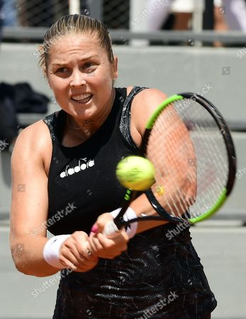 Shelby Rogers of the USA plays Carla Suarez Navarro of Spain during their women?s second round match during the French Open tennis tournament at Roland Garros in Paris, France, 29 May 2019.
