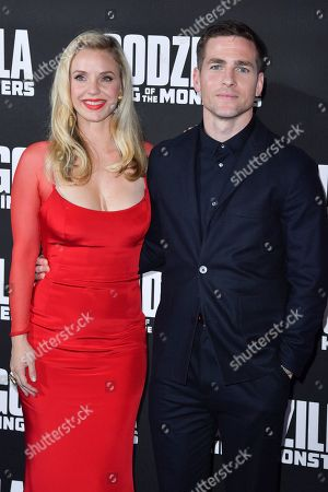 Stock Picture of Kelli Garner and Zach Shields