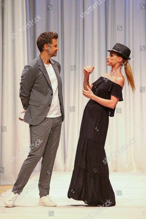 Stock Image of Wayne Carpendale and Michelle Hunziker