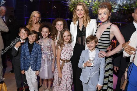 Stock Image of Reese Witherspoon, Lain Armitage, Cameron Crovetti, Chloe Coleman, Darby Camp, Ivy George, Laura Dern, Kathryn Newton, Nicholas Crovetti