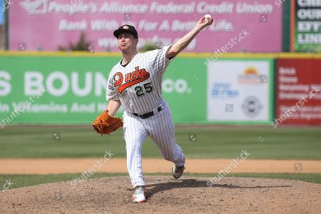 Long Island Duck's relief pitcher Alex Katz during an Atlantic League of Professional Baseball game on in Central Islip, N.Y
