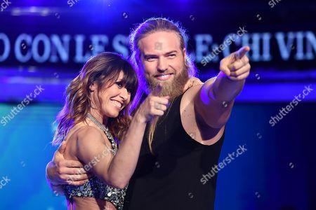 Lasse Matberg dancing with Sara Di Vaira