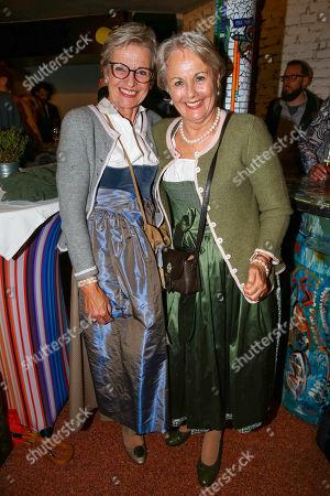 his cousins Karola Steger, Hildegard Gruber (glasses), Helmut Berger