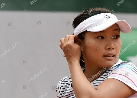 Kurumi Nara of Japan plays Serena Williams of the USA during their women?s second round match during the French Open tennis tournament at Roland Garros in Paris, France, 30 May 2019.