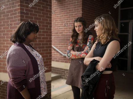 Octavia Spencer as Sue Ann, Diana Silvers as Maggie and McKaley Miller as Haley