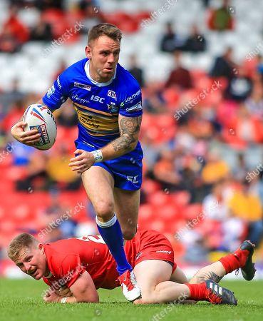 Richie Myler of Leeds Rhinos makes a break