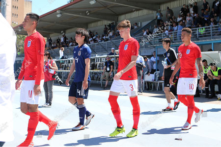 England players, Dwight McNeil, Tom Pearce and Marcus Tavernier walk onto the pitch ahead of kick-off during England Under-20 vs Japan Under-22, Tournoi Maurice Revello Football at Stade de Lattre-de-Tassigny on 1st June 2019