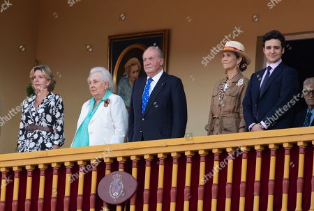 Spanish Emeritus King Juan Carlos (C-R), accompanied by his daughter Infanta Elena (3-R), his grandchild Felipe Juan Froilan de Marichalar (2-R), his sister Infanta Pilar de Borbon (2-L), and his niece Simoneta Gomez-Acebo (L), chairs a bullfight in tribute of his mother Maria de las Mercedes during San Fernando day celebrations in Aranjuez, Madrid, Spain, 02 June 2019. King Juan Carlos chairs a bullfight in the day after he announced 27 May 2019 he would be withdrawing from public life 02 June 2019.