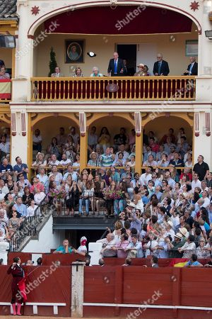 Bullfighter Jose Maria Manzanares dedicates the death of the bull to former Juan Carlos