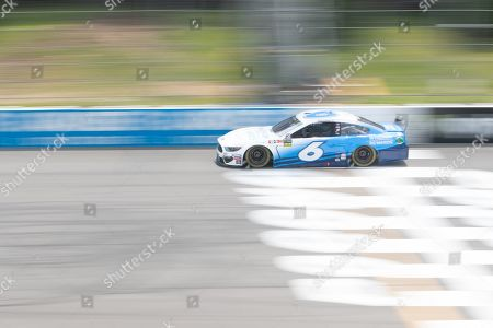 Monster Energy NASCAR Cup Series driver Ryan Newman (6) races down the straightaway during the Pocono 400 at Pocono Raceway in Long Pond, PA Daniel Lea/CSM