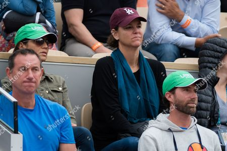 Lindsay Davenport watches Madison Keys during her fourth-round match