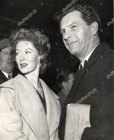 Sir Ludovic Kennedy Writer And Broadcaster Pictured With His Wife Moira Shearer At London Road Station In Manchester. Ludovic Died 18/10/2009 At The Age Of 89.