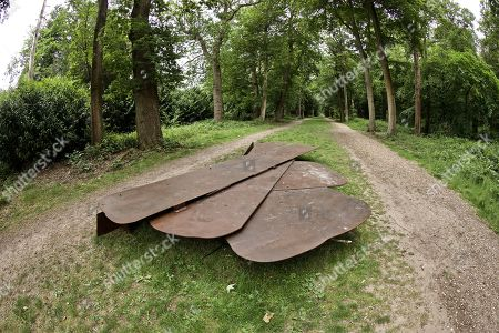 'Scorched Slots' by Anthony Caro