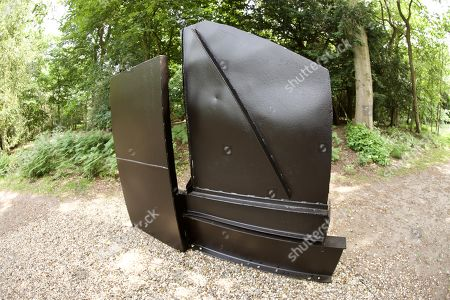 'Second Sculpture' by Anthony Caro