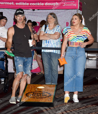 Stock Image of Craig Campbell and Lauren Alaina