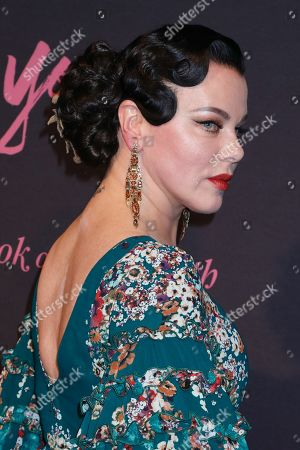 Debi Mazar, jewelry detail