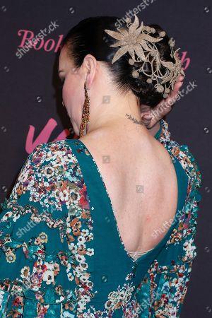 Debi Mazar, hair detail