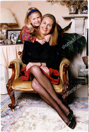 Frances Edmonds Writer Wife Of Cricketer Phil Edmonds. Picture Shows Frances And Daughter Alexandra