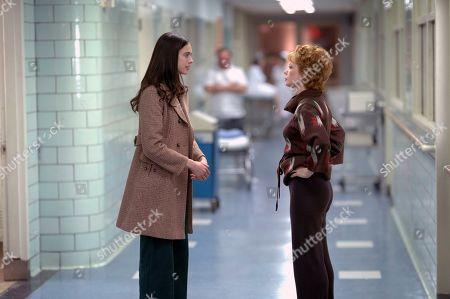Sarah Margaret Qualley as Ann Reinking and Michelle Williams as Gwen Verdon