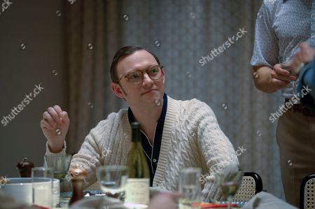 Nate Corddry as Neil Simon