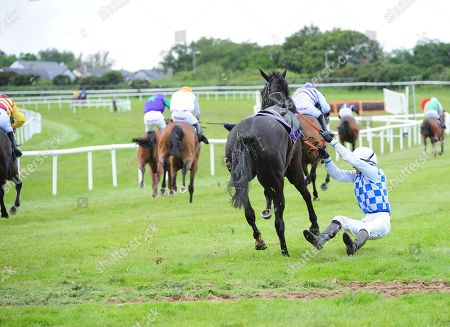 WEXFORD CADDY SHACK unseats John Berry after a bad mistake at the last in the Three Rocks Mares Maiden Hurdle. Both horse and jockey were ok. Healy Racing