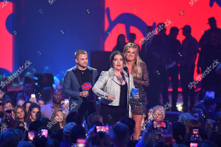 Ashley McBryde - Breakthrough Video of the Year - 'Girl Going Nowhere (At Marathon Music Works)' - presented by Hunter Hayes and Carly Pearce