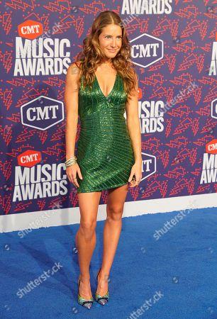 Tara Thompson arrives at the CMT Music Awards, at the Bridgestone Arena in Nashville, Tenn