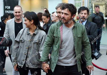 """Casey Affleck, Floriana Lima. Actor Casey Affleck arrives with his girlfriend Floriana Lima at the premiere of the film """"American Woman"""" at the ArcLight Hollywood, in Los Angeles"""