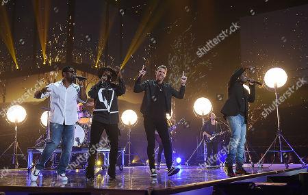 Boyz II Men - Boyz II Men - Wanya Morris, Nathan Morris and Shawn Stockman and Brett Young