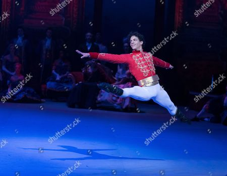 Isaac Hernandez as Prince Guillaume