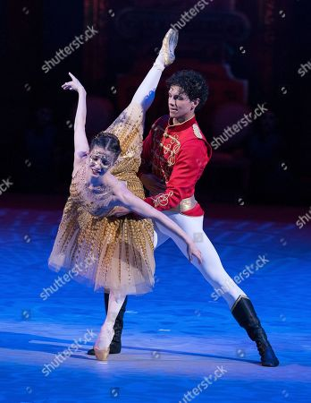Stock Photo of Alina Cojocaru as Cinderella, Isaac Hernandez as Prince Guillaume