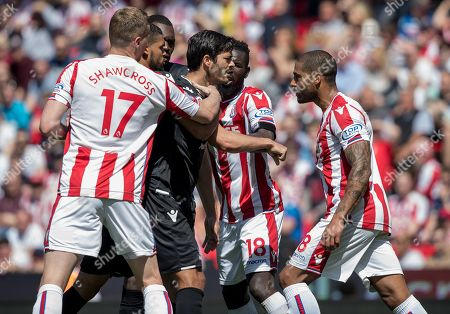 Football: Premier League: Stoke City 1 Crystal Palace 2. Stoke Are Relegated. May 5th 2018 - Stoke Uk - Stoke V Crystal Palace - Glen Johnson And James Tomkins Row. Picture By Ian Hodgson/daily Mail.