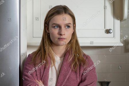Olivia DeJonge as Elle Tomkins
