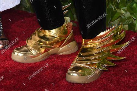 Andre de Shields, shoe detail