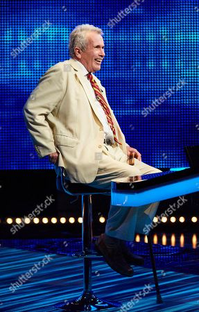 Martin Bell faces The Chaser.