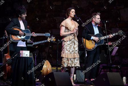 Siddhartha Khosla, Mandy Moore, Taylor Goldsmith