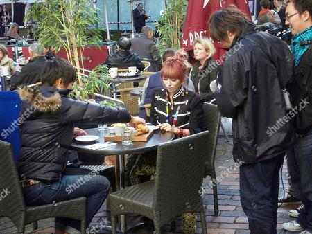 Shizuyo Yamasaki (Left) and Chinatsu Wakatsuki enjoy fish and chips