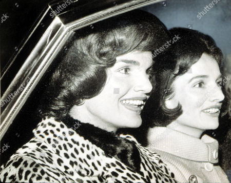 Jacqueline Kennedy and her sister Lee Radziwell, March 9, 1962