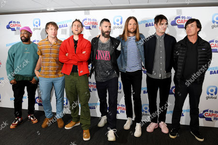 PJ Morton, Mickey Madden, Jesse Carmichael, Adam Levine, James Carmichael and Matt Flynn - Maroon 5