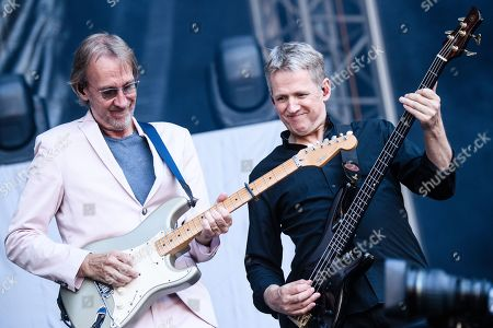 British gitarrist Mike Rutherford (L) and Irish bassist Anthony Drennan perform with the band Mike and the Mechanics on stage as an opener for Phil Collins' 'Not Dead Yet' tour, in Berlin, Germany, 07 June 2019.