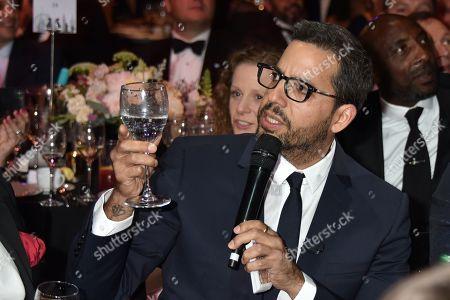 David Blaine eats glass as a magic trick