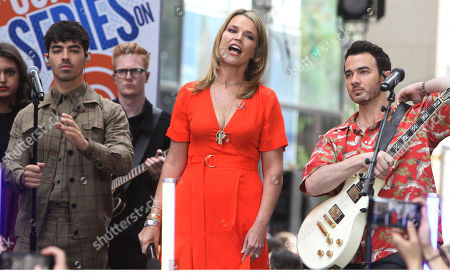 Jenna Bush, Joe Jonas and Savannah Guthrie